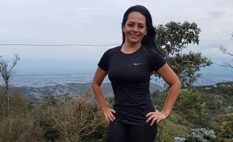 Revelan fotos de mujer que desapareció tras creciente súbita en río San Cipriano