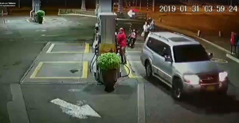 Buscan camioneta de lujo que se fugó sin pagar $200.000 en gasolinera del sur de Cali