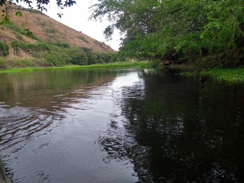 Con sobrevuelos, investigan la causa de fuertes olores en el río Anchicayá