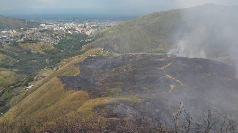 Devastador incendio forestal arrasó con cerca de 15 hectáreas en zona rural de Cali