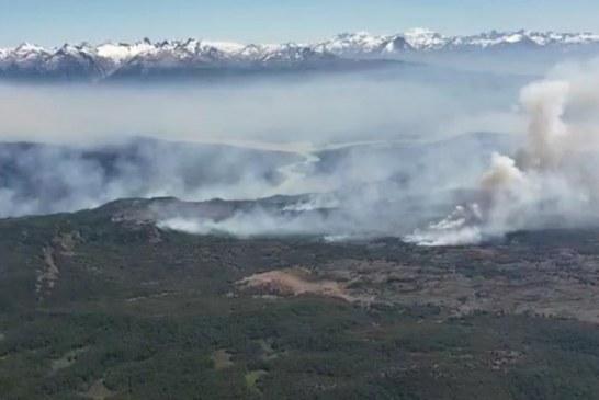 Más de 20 incendios amenazan a poblados del centro de Chile