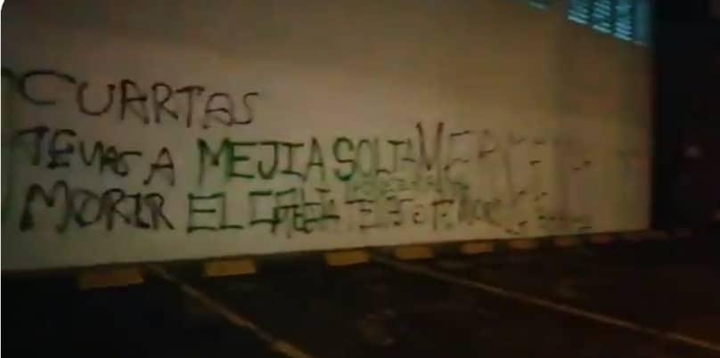 Con grafitis en paredes de sede del Deportivo Cali, amenazan de muerte a dirigentes