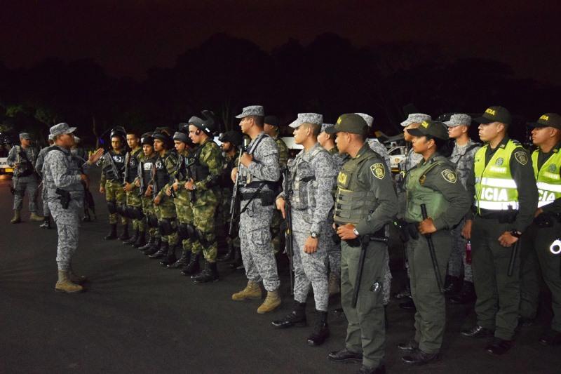 Para reducir actos delictivos, aumenta patrullaje de Fuerza Aérea en comunas de Cali