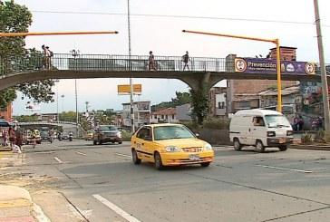Polémica por instalación de semáforos peatonales en la Calle 5 con Carrera 6