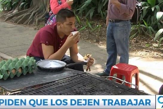 Vendedores ambulantes piden que multas por comprar empanadas no lleguen a Cali