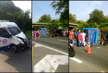 Accidente entre ambulancia y bus dejó dos mujeres muertas en vía Buga-Tuluá