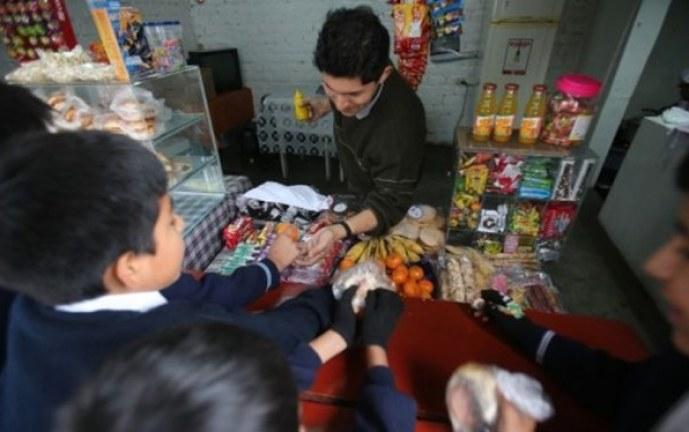 Frenarán venta de gaseosas, fritos y salchipapas en colegios del Valle por obesidad