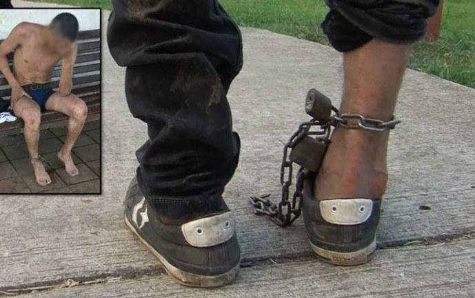 Hombre denuncia que su hermano fue encadenado y torturado en centro de rehabilitación