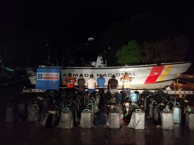 Incautan sumergible que transportaba 1.562 kilos de cocaína en el Pacífico caucano