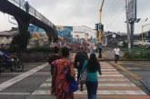 Caleños siguen utilizando puente peatonal pese a instalación de semáforos en la Calle 5