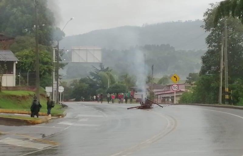Nuevos disturbios en la vía Panamericana dejan como saldo un indígena muerto