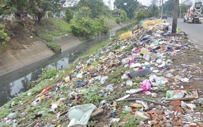 En Cali hay por lo menos 150 botaderos de basuras