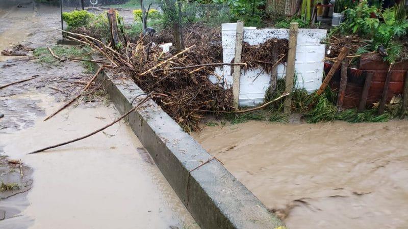 Fuertes lluvias provocan desbordamiento de ríos e inundaciones en Roldanillo, Valle