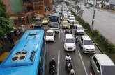 Trancón por nuevo semáforo frente a Comfenalco llegó hasta colegio Santa Librada