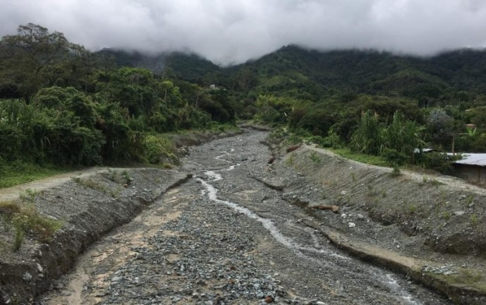 Autoridades hacen inspección a cárcava que representa riesgo a familias de El Cerrito