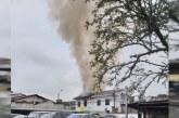 Bomberos atienden incendio en casona del histórico barrio San Antonio de Cali