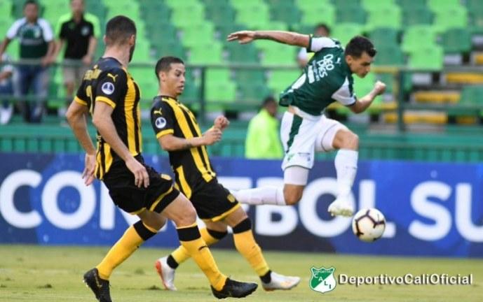 Deportivo Cali empató sobre el final su duelo copero ante Peñarol 1-1