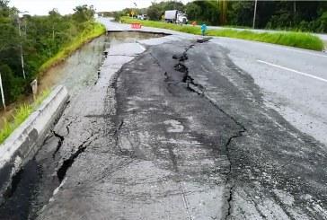 Falla geológica afectó tramo de vía Buga-Buenaventura, a la altura del Lago Calima