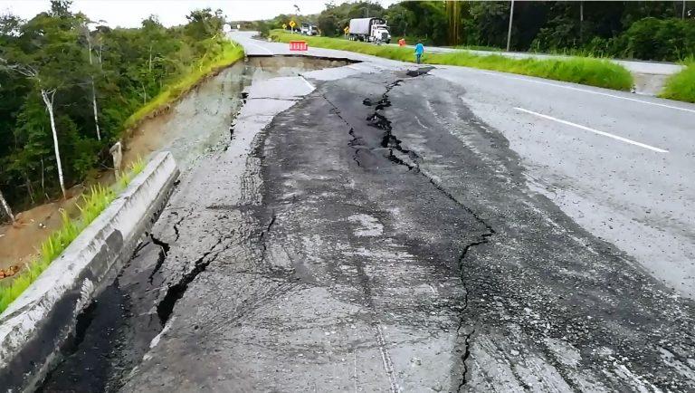 Invías anuncia medidas técnicas y financieras para recuperar vía Buga - Buenaventura