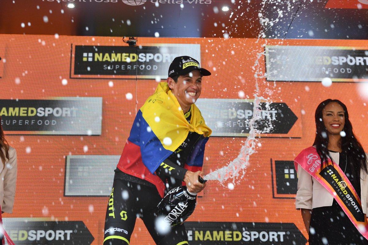 Colombiano Esteban Chaves ganó la etapa 19 del Giro d'Italia, Carapaz sigue líder