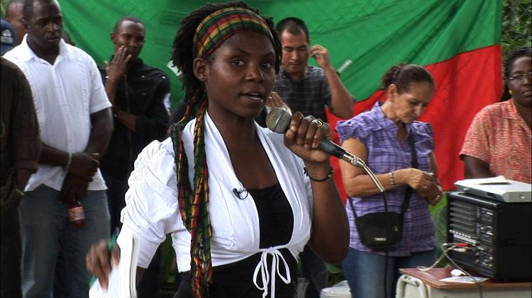 """Francia Márquez, líder social ganadora de """"Nobel de Medioambiente"""", sufrió atentado"""