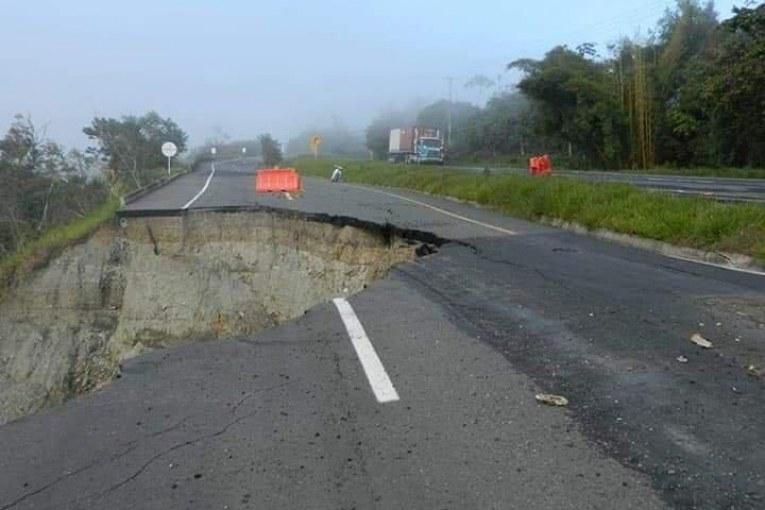 Puente o muro de contención serían la alternativa para recuperar vía Buga - Buenaventura
