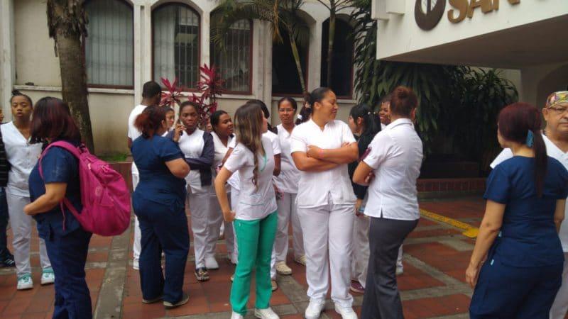 Trabajadores de hospital San Juan de Dios anunciaron paro por retraso en pagos