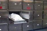 Sacan a la fuerza cuerpo sospechoso de covid-19 de Medicina Legal