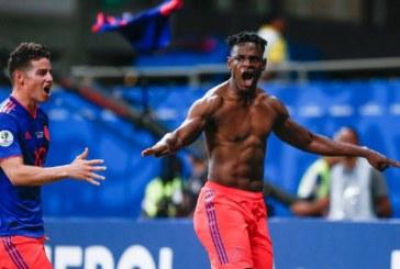 Duván Zapata sería pretendido en el fútbol de la Premier League
