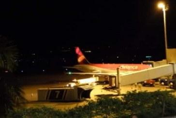 Hombre se suicidó con una correa en baño de avión que cubría ruta Madrid – Cali