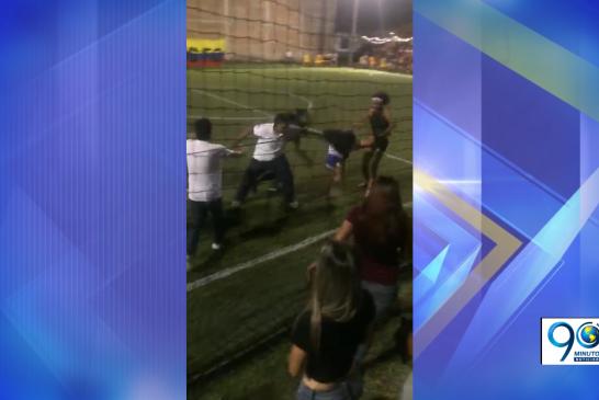 Video: Bochornosa pelea de mujeres en un partido en El Cerrito