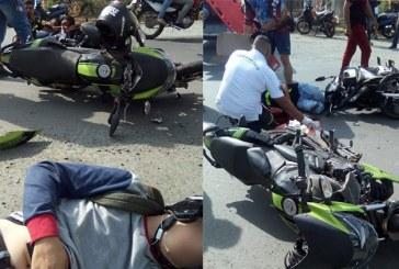 Aparatoso accidente entre dos motos deja tres heridos, en vía Cali Yumbo