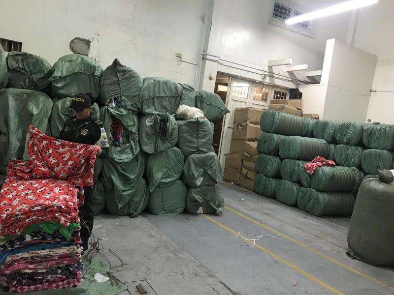 Autoridades incautaron 1000 millones de pesos en mercancía textil de contrabando en Cali