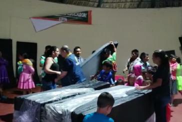 Envían ayuda humanitaria a indígenas afectados por lluvias en Bolívar, Valle