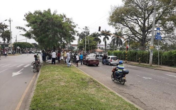 Por intensificación de controles, conductores de carros 'pirata' bloquean vías de Cali