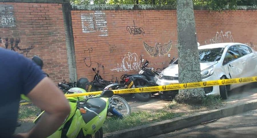 Video: mujer arrolló a cuatro personas y chocó contra 8 motos en el sur de Cali