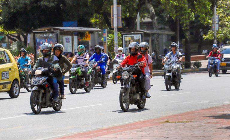 Personas con discapacidad en Cali quedarán exentos de prohibición de parrillero en moto