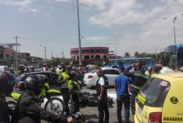Trágico accidente en Comfandi El Prado: motociclista murió tras ser arrollado por un Mío