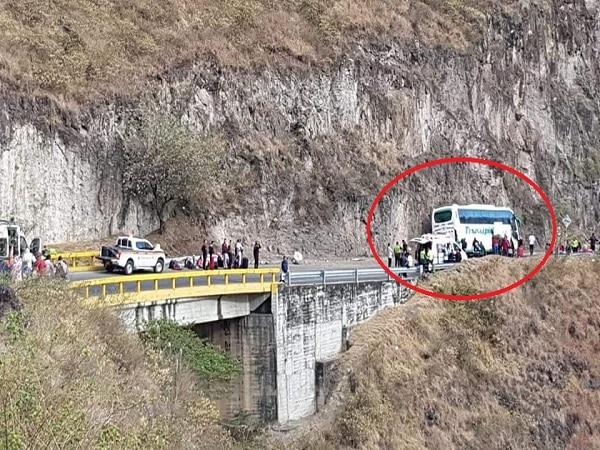 Un muerto y cinco heridos deja accidente en la vía Pasto-Popayan
