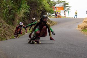 Campeonato Mundial de Downhill Skateboarding se apoderó de las vías del Valle