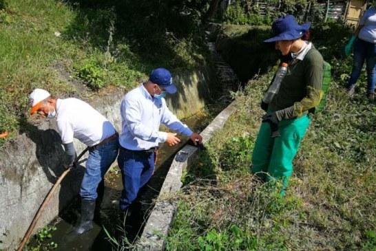 CVC lideró limpieza en zanjón del barrio Vivienda Obrera en Ansermanuevo