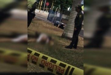 Asesinan a joven de 22 años mientras se encontraba en restaurante de El Caney