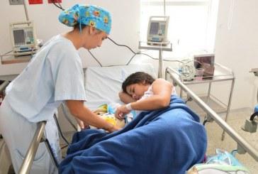 Con nacionalización, padres venezolanos podrán garantizar acceso a salud y educación de sus hijos