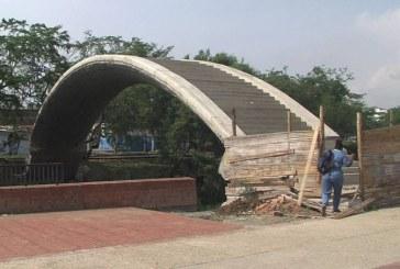 Puente curvo del Parque Lineal de Cali será cerrado hasta finalizar su construcción
