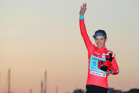 El colombiano, Miguel Ángel López, primer líder de la Vuelta a España