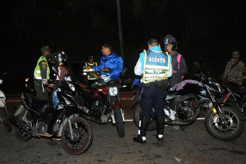 Trabajadores independientes en Cali podrán utilizar motocicleta durante la madrugada