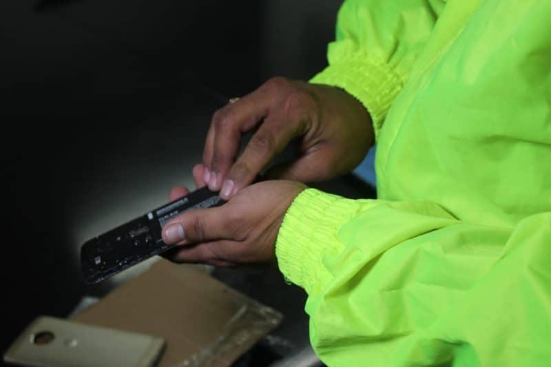 Capturados dos presuntos responsables en Tuluá de lanzar celulares y estupefacientes a prisión