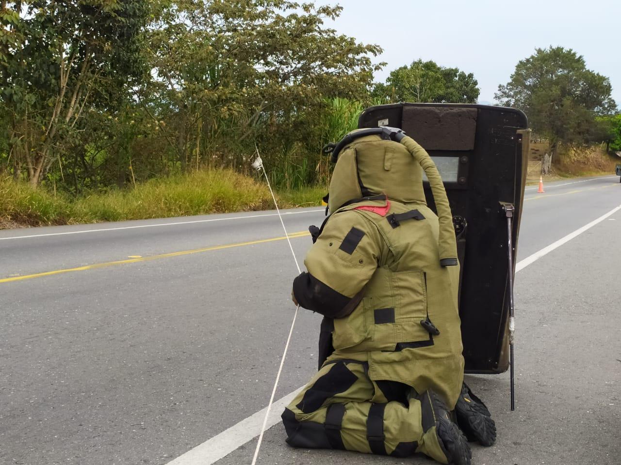 Ejército Nacional frustró atentado con explosivos en vía panamericana, en Cauca