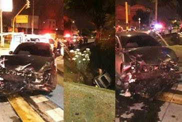 Aparatoso accidente en El Limonar dejó un herido tras caer con su carro a un caño