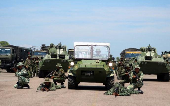 """Colombia dice que está alerta, pero sin """"histeria"""" por ejercicios militares en Venezuela"""